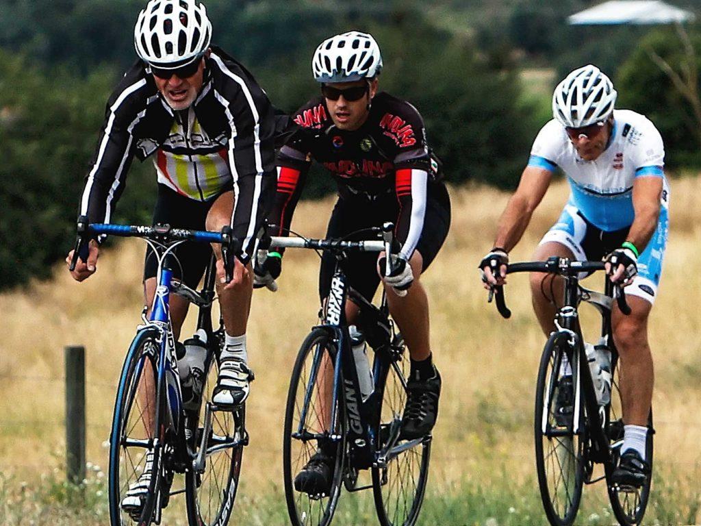 cyclists-1531970